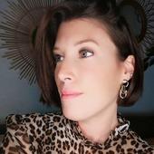 Retrouvez ces magnifiques boucles d'oreilles de la créatrice Chic Alors sur notre e-shop 🖤 Le lien est dans la bio . #bijoux #terredefemmesbijoux #brest #brestoise #centreville #commercelocal #eshop #creation #creatrice #earrings #madeinfrance #faitenfrance #fashion #fashionstore #designers #jewelry #jewels #girls